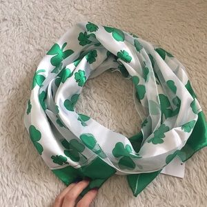 Silky clover scarf